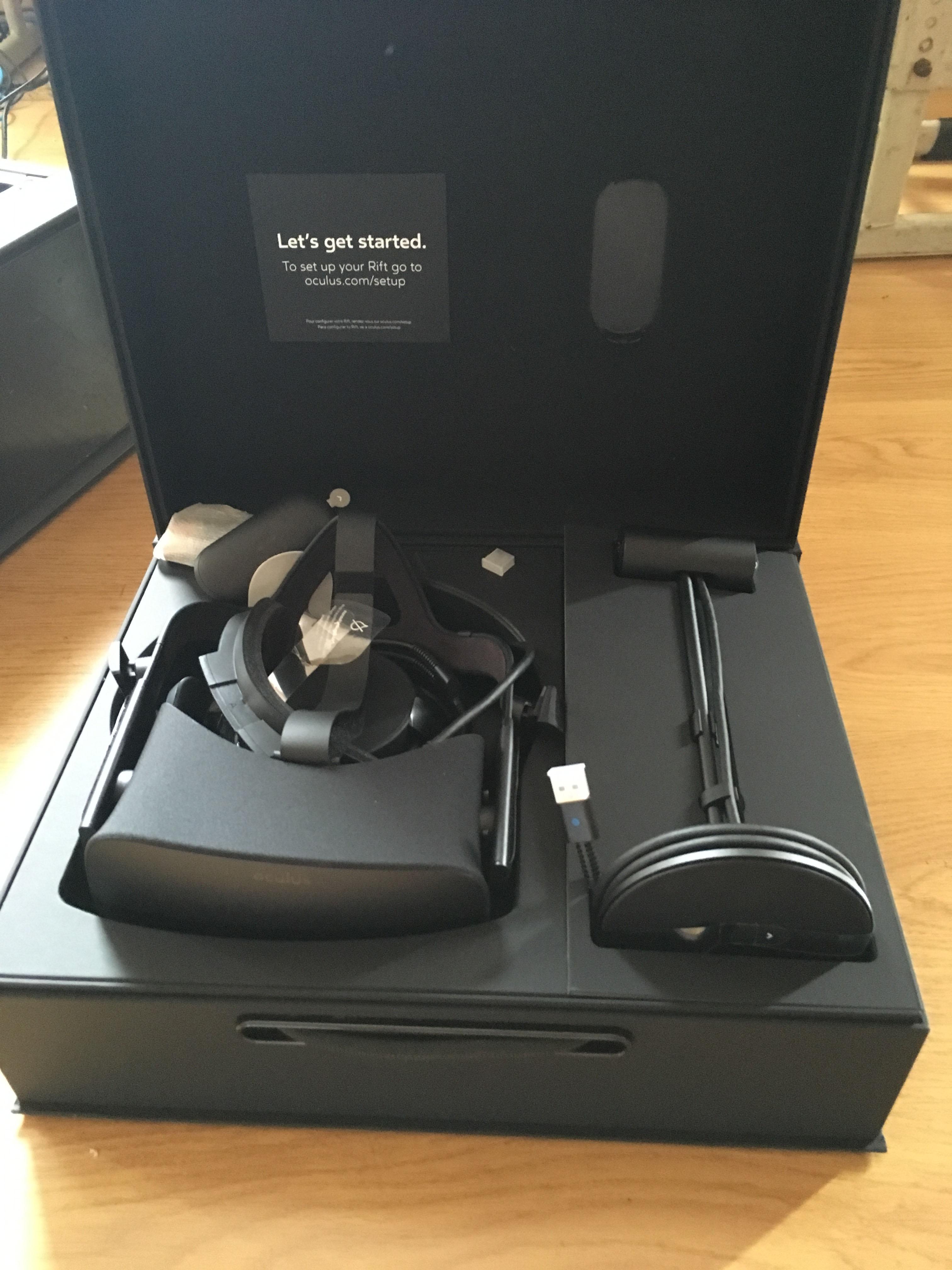 Unboxing Oculus VR