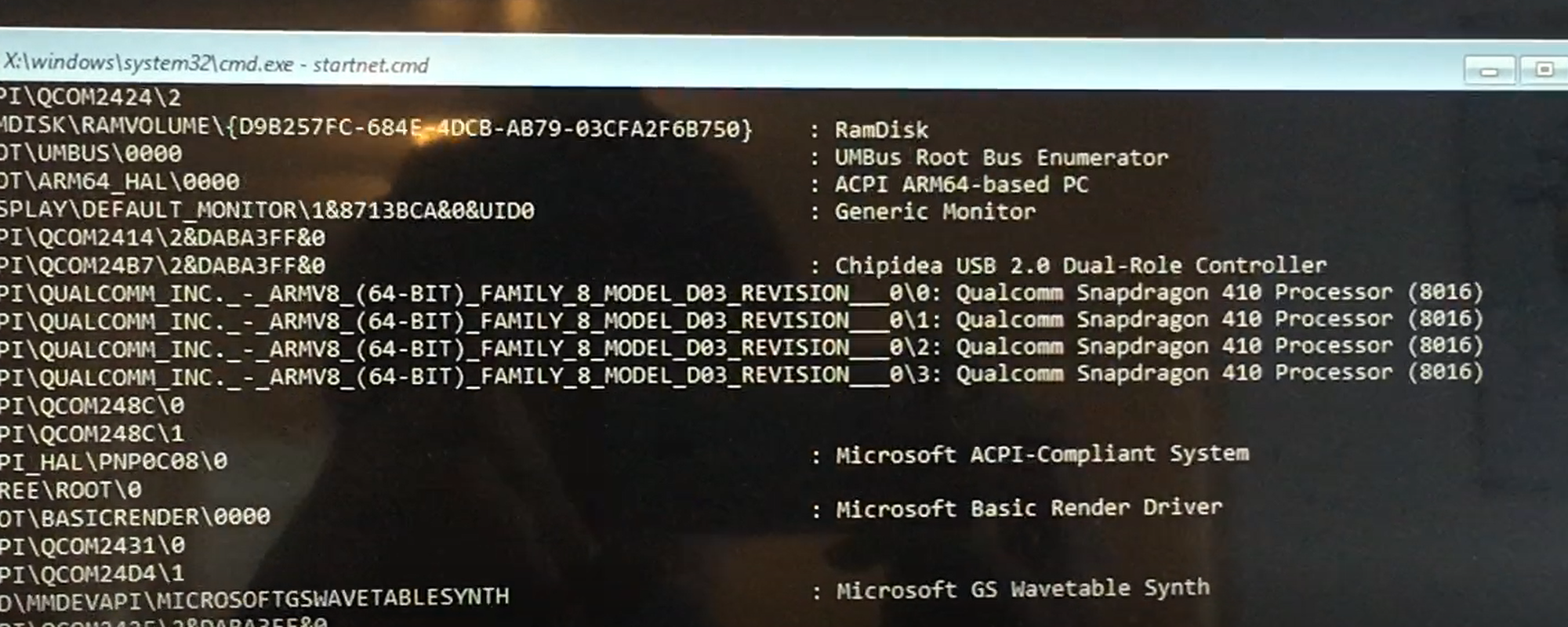 Windows 10 PE runs on a Spandragon 410 processor.